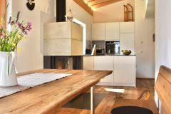 Traumsicht-Faschinajoch-Essbereich-und-Küche-scaled
