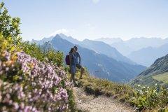 Ausblick-genießen-c-Alex-Kaiser-Alpenregion-Bludenz-Tourismus-GmbH