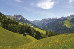 Blick-ins-hintere-Große-Walsertal-c-Martin-Caldonazzi-Alpenregion-Bludenz-Tourismus-GmbH